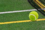 barevný písek pro tenisové kurty